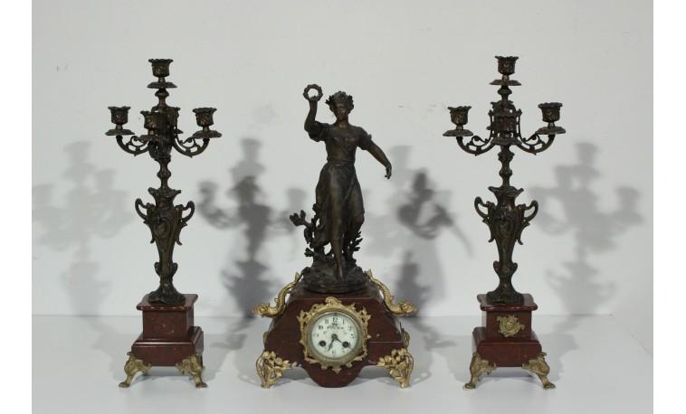 Sk1049 - Krbové figurální hodiny se svácny