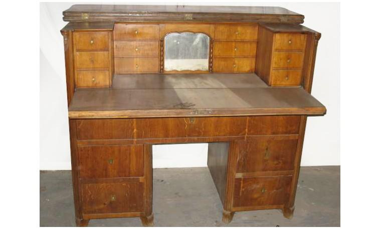 Sk161 – Psací stůl – trezorový