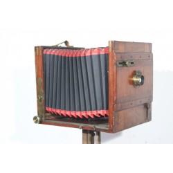 Sk1380 - Starý dřevěný fotoaparát