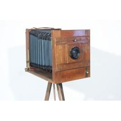 Sk1381 - Starý dřevěný fotoaparát